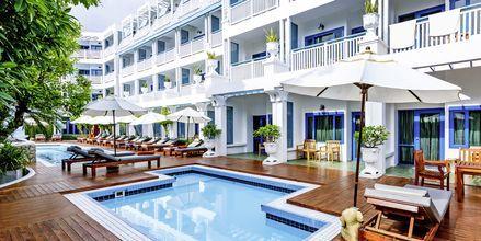 Poolen på hotell Andaman Seaview, Phuket, Thailand.