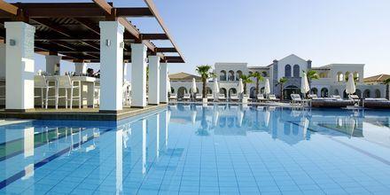 Poolbaren på Anemos Luxury Grand Resort i Georgiopolis på Kreta.