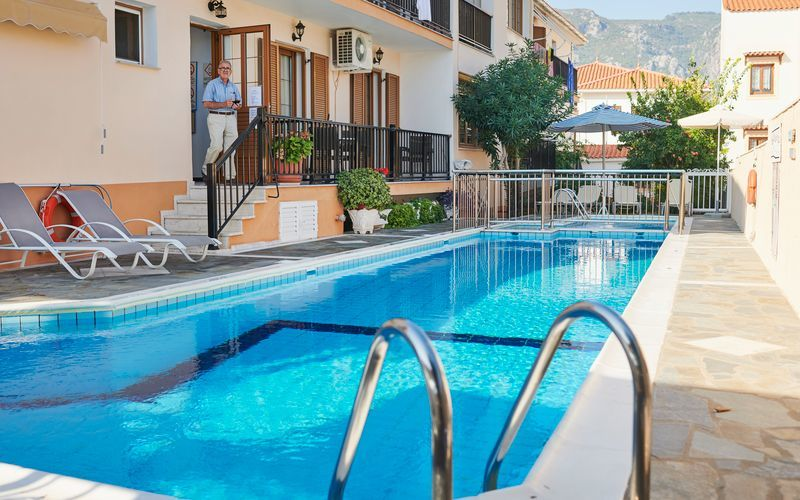Poolen på hotell Angela i Kokkari på Samos.