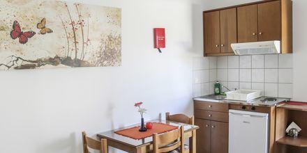 Enrumslägenhet på hotell Anthimos på Kreta.