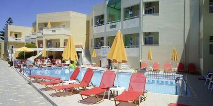Pool på hotell Anthimos på Kreta.