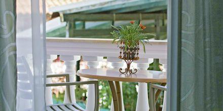 Balkong i lägenhet på hotell Antonis i Parga, Grekland.