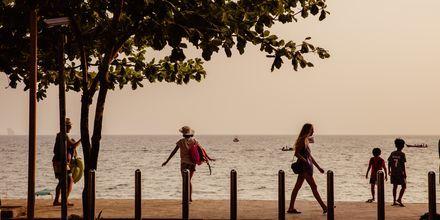 Strandpromenaden Ao Nang i Krabi, Thailand.