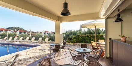 Poolbar på hotell Aphrodite i Stoupa, Grekland.