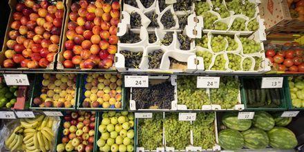 Snabbköpets frukt- och grönsakshörna.