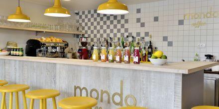 Mondo Café på hotell Apollo Mondo Family Romana i Makarska, Kroatien.