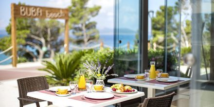 Restaurang på hotell Apollo Mondo Family Romana i Makarska, Kroatien.