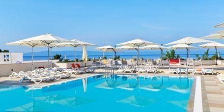 Poolområde på hotell Apollo Mondo Family Romana i Makarska, Kroatien.