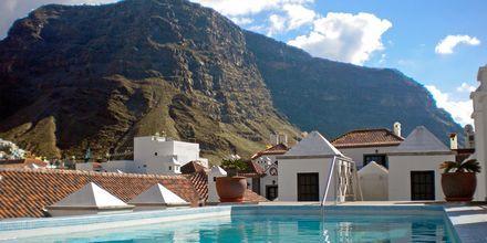 Poolen på hotell Aptos Playa Calera på La Gomera, Spanien.