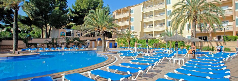 Poolen på hotell Aqua Sol i Palmanova på Mallorca.