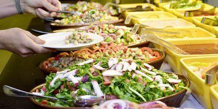 Fräsch salladsbuffé på hotell Aqua Vista i Hurghada, Egypten.