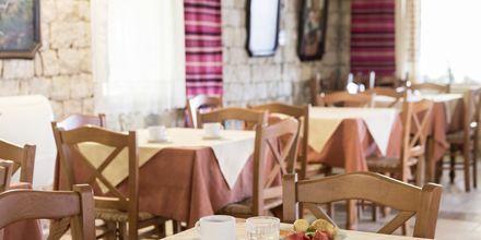 Frukostservering på hotell Aquamar på Kreta, Grekland.