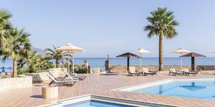 Poolområdet på hotell Aquamar på Kreta, Grekland.
