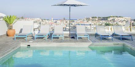 Poolområdet på hotell Aquarius i Rethymnon, Kreta.