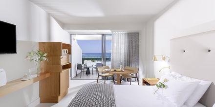 Dubbelrum med begränsad havsutsikt på hotell Aquila Porto Rethymno på Kreta, Grekland.