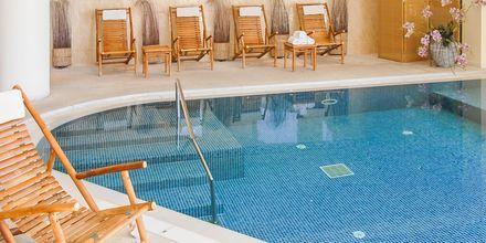 Inomhuspool på hotell Aquila Porto Rethymno på Kreta, Grekland.