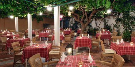 Taverna på hotell Aquila Rithymna Beach på Kreta, Grekland.