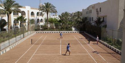 Tennis på hotell Arabia Azur Resort i Hurghada, Egypten.
