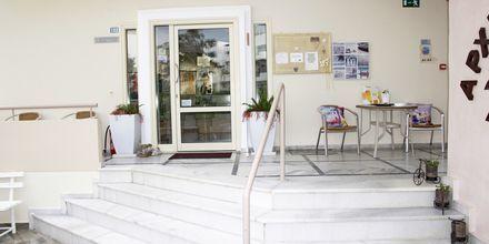 Reception på hotell Archipelagos i Platanias på Kreta, Grekland.