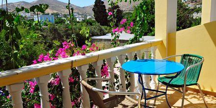 Balkongvy på hotell Artemida på Leros, Grekland.