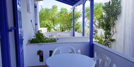Balkong på på lägenhetshotell Aspres i Votsalakia, Samos.