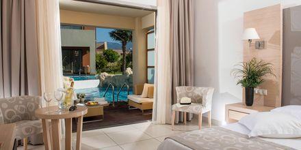 Dubbelrum med delad pool på hotell Astir Odysseus i Tigaki på Kos.