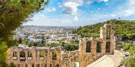 I Aten väntar mängder av antika ruiner och byggnader.