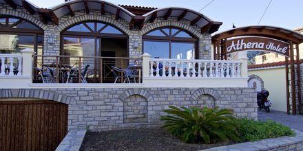Frukostservering på hotell Athena i Kokkari, Samos.