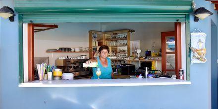 Poolbar på hotell Athena i Kokkari, Samos.