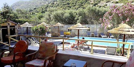 Poolområdet på hotell Athina i Pythagorion på Samos, Grekland.