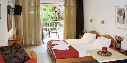 Enrumslägenhet på hotell Atlon i Vrachos, Grekland.