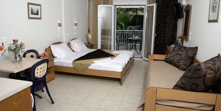 Enrumslägenhet superior på hotell Atlon i Vrachos, Grekland.
