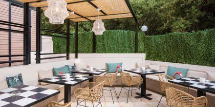 Poolbar på hotell Atrion på Kreta, Grekland.