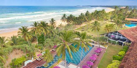 Översikt av hotell Avani Bentota Resort & Spa i Bentota, Sri Lanka.