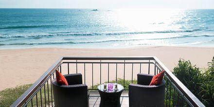 Utsikt från The LOFT på hotell Avani Bentota Resort & Spa i Bentota, Sri Lanka.