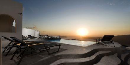 Pool på Avaton Resort & Spa på Santorini, Grekland.