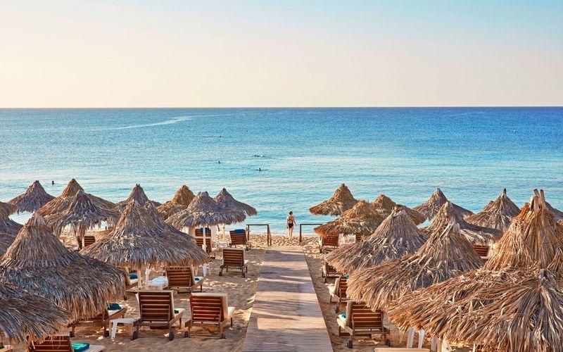 Stranden vid hotell Grecian Bay, Ayia Napa.