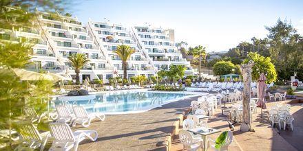 Pool och poolbar på hotell Babalu i Puerto Rico, Gran Canaria.