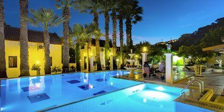 Pool på hotell Bacoli i Parga, Grekland.