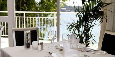Bufférestaurangen på hotell Bahia Principe Sunlight Coral Playa på Mallorca, Spanien.
