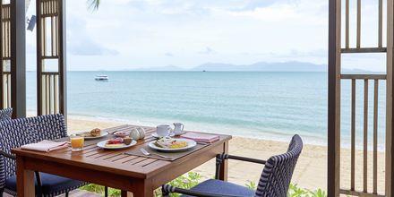Starta dagen med god frukost med härlig havsutsikt.