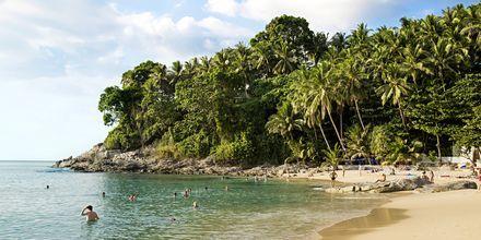 I bukten söder om Bangtao ligger Surin Beach.