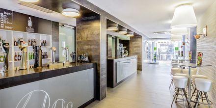 Bar på hotell Barcelo Castillo Beach Resort på Fuerteventura.