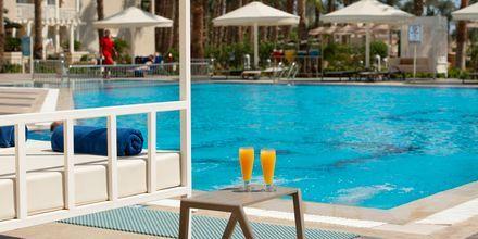Pool för endast Apollos gäster på hotell Beach Albatros Resort i Hurghada, Egypten.