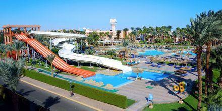 Vattenrutschkanor på hotell Beach Albatros Resort i Hurghada, Egypten.