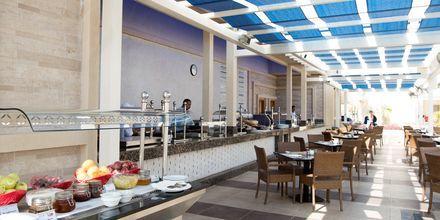 Poolbar för endast Apollos gäster på hotell Beach Albatros Resort i Hurghada, Egypten.