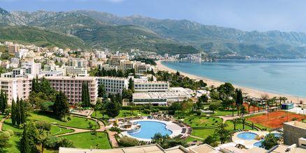 Vy över orten Becici, Montenegro.