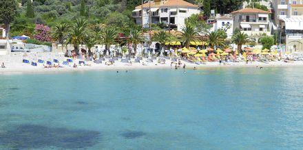 Stranden vid hotell Bella Vista på Samos i Grekland.