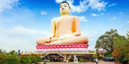 Buddhistiska templet Kande Vihara i Bentota, Sri Lanka.