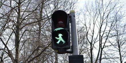 Trafikljus med den klassiska östtyska ampelmänchen